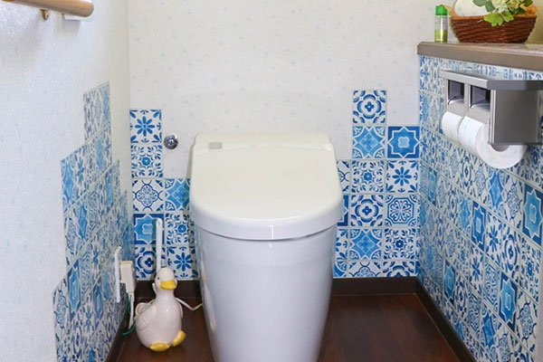 来客時のことを考えてトイレに新しく手洗いを設置