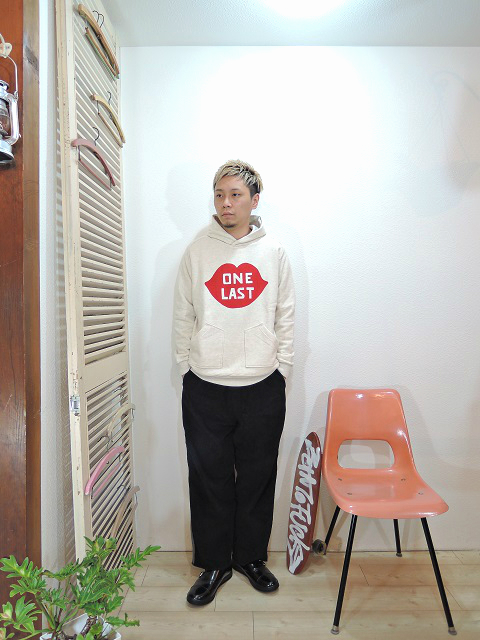 "tops/SUNNY SPORTS-""ONE-LAST""FREEDOM PULL-HOODY(SIZE M)tee/LOCALINA-FLATSEAM L/S TEE(SIZE 1)pants/modem design-SIDE LINE EASY CORDUROY PANTS(M-1707556)(SIZE 2)shoes/MANEBU-""ROAR""FACE SKIN(SIZE 40)を使ったコーディネート"