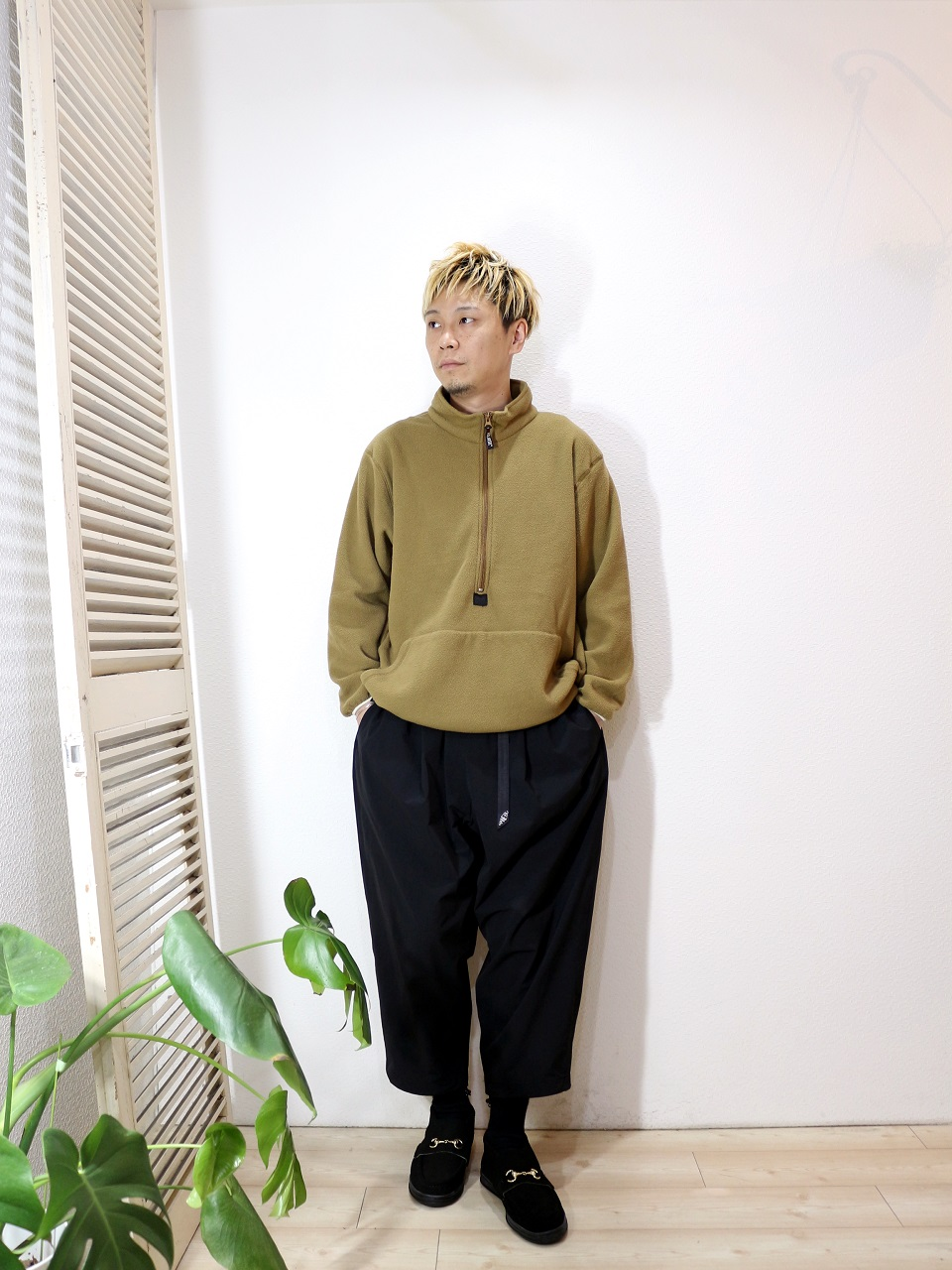 "tops/USMC-POLARTEC FLEECE(SIZE M)pants/MANEBU-""LOOSE EASY TUCK SLACKS""(SIZE M)shoes/MANEBU-""BITCH HI""SUEDE(SIZE 40)を使ったコーディネート"