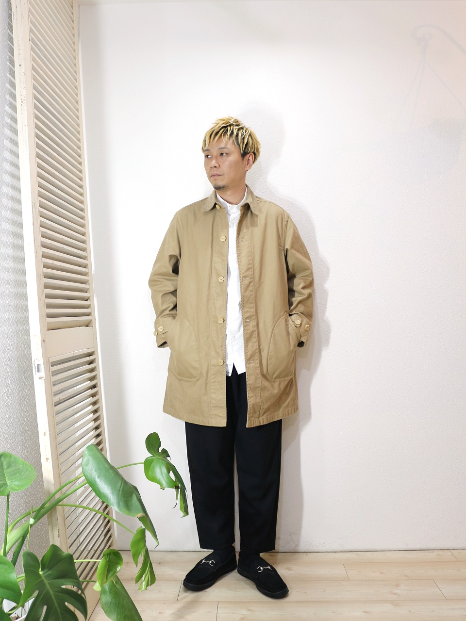"outer/MANUAL ALPHABET-O/D DRILL SHT COAT(SIZE 1)shirt/Kelen-Nicolous(SIZE 38)pants/ReRe-COMFORT TROUSERS(SIZE 2)shoes/MANEBU-""BITCH""NUBUCK(SIZE 40)を使ったコーディネート"