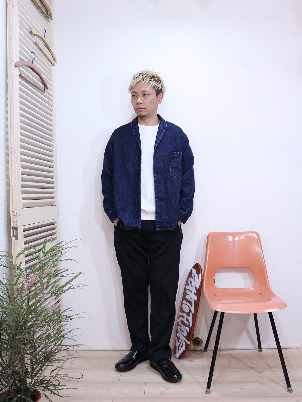 "outer/SUNNY SPORTS-PAJAMA JACKET(SIZE M)tee/FRUIT OF THE LOOM-SWEAT STYLE L/S TEE(SIZE M)pants/SUNNY SPORTS-RELAX TRACK PANTS(SIZE M)shoes/MANEBU-""ROAR""FACE SKIN(SIZE 40)を使ったコーディネート"