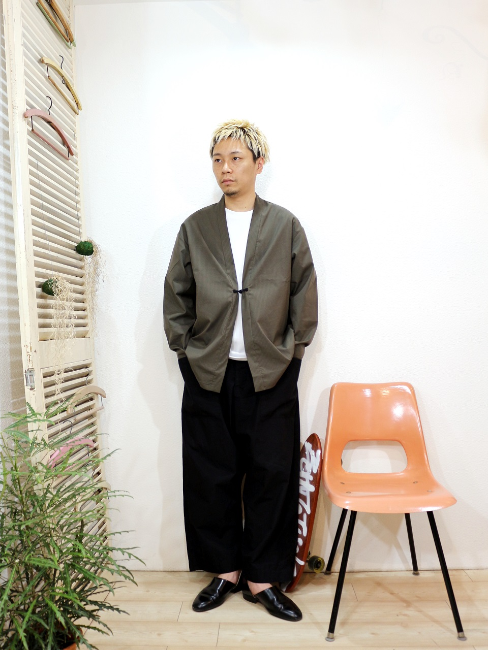 outer/Kelen-Dustin(SIZE 38)tee/modem design-10.2oz PLAIN S/S TEE(SIZE 2)pants/odorlesstasteless-WEATHER DUCK(SIZE 02)を使ったコーディネート