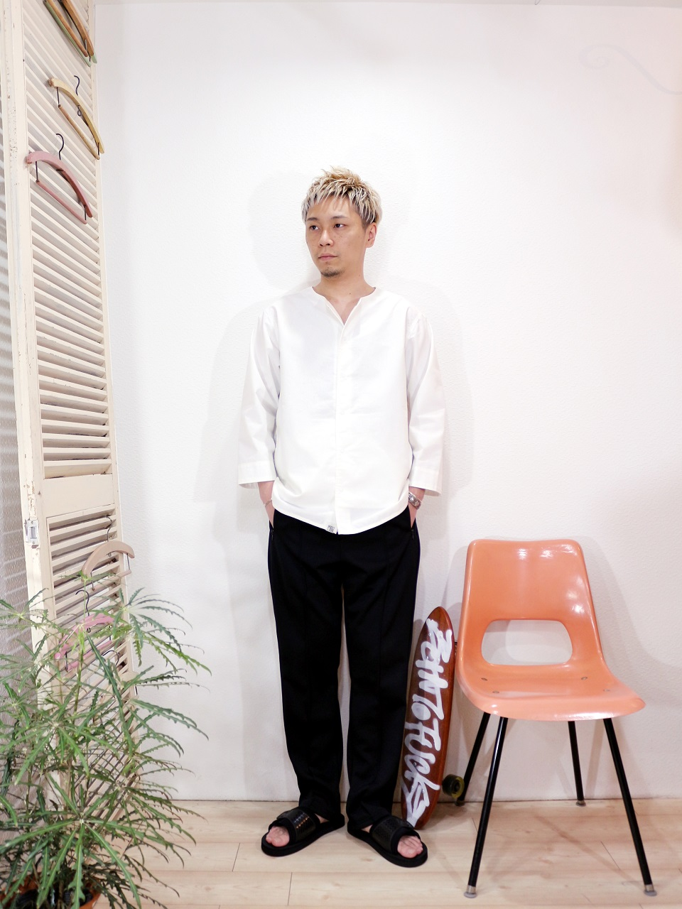 shirt/Kelen-Mucha(SIZE 38)pants/SUNNY SPORTS-RELAX TRACK PANTS(SIZE M)shoes/SUICOKE-SIV(SIZE US8)を使ったコーディネート