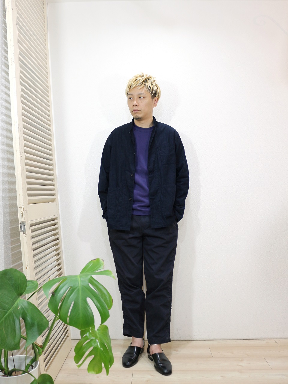 outer/MANUAL ALPHABET-CORDUROY WORK SHT JKT(SIZE 1)tee/MANUAL ALPHABET-MILITARY FRAISE CREW NECK L/S TEE(SIZE 1)pants/Kelen-Max(SIZE 38)を使ったコーディネート