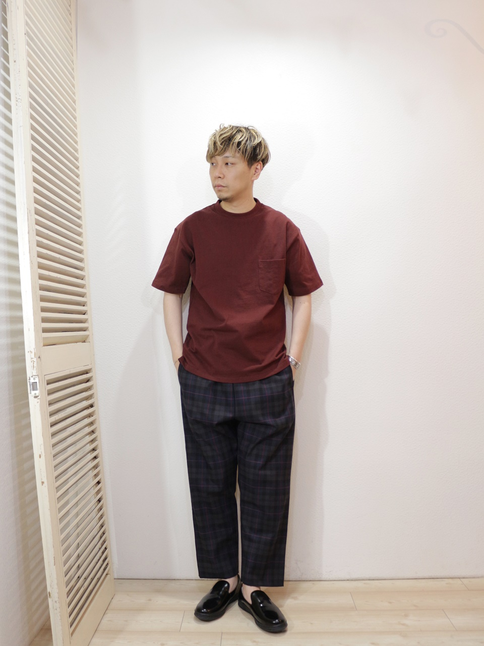"tee/FRUIT OF THE LOOM-HEAVY WEIGHT TEE(SIZE S)pants/modem design-CHECK EASY PANTS(SIZE 2)shoes/MANEBU-""HEEHAW""FACE SKIN(SIZE 40)を使ったコーディネート"