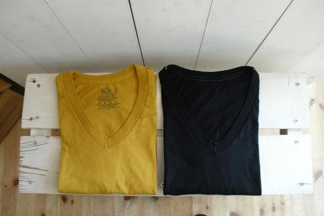 【FRUIT OF THE LOOM】PIECE DYEING V-NECK S/S Tee【DM便発送可能】:メイン画像