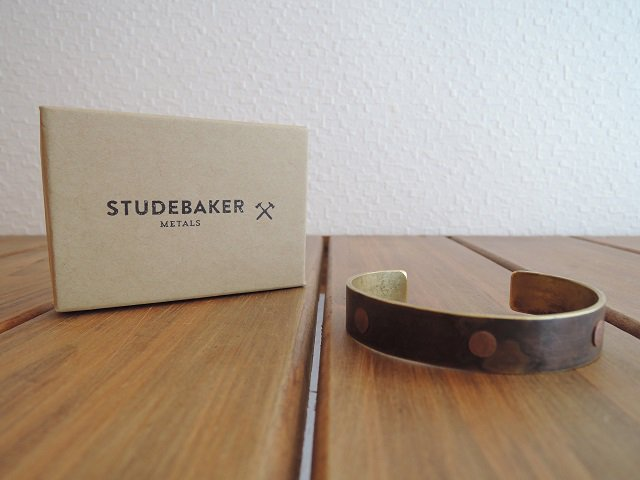 ��STUDEBAKER METALS��THREE RIVETS CUFF