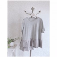 <img class='new_mark_img1' src='https://img.shop-pro.jp/img/new/icons20.gif' style='border:none;display:inline;margin:0px;padding:0px;width:auto;' />タックヘムTシャツ/グレー