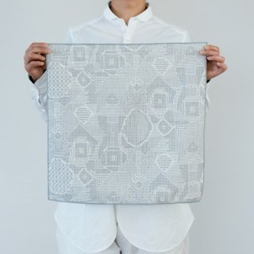 tenp02 福島の刺子織 大判ハンカチ(オフホワイト)
