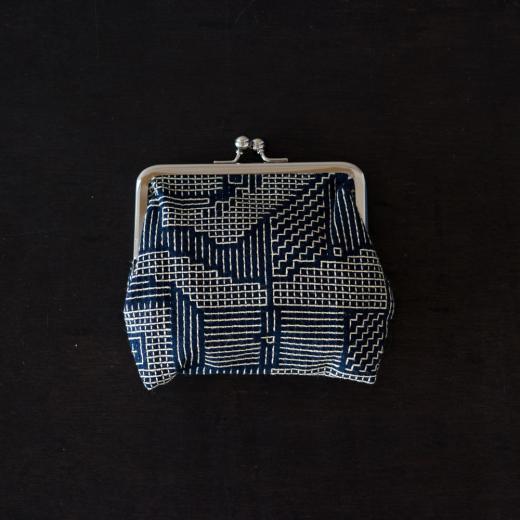 tenp02 福島の刺子織 がまぐち正(ネイビー)
