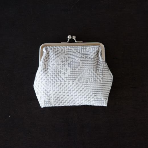 tenp02 福島の刺子織 がまぐち正(オフホワイト)