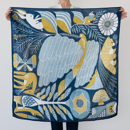 tenp01 正方形のダブルガーゼ Lサイズ おおきな羽根(紺)
