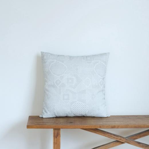 tenp02 福島の刺子織 クッションカバー(オフホワイト)