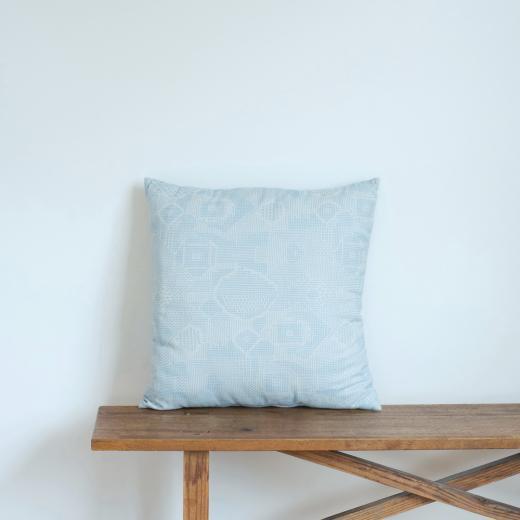 tenp02 福島の刺子織 クッションカバー(ライトブルー)