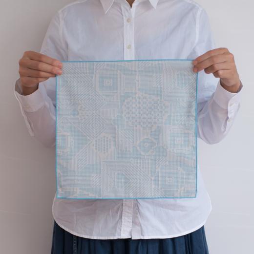 tenp02 福島の刺子織 ハンカチ (ライトブルー)