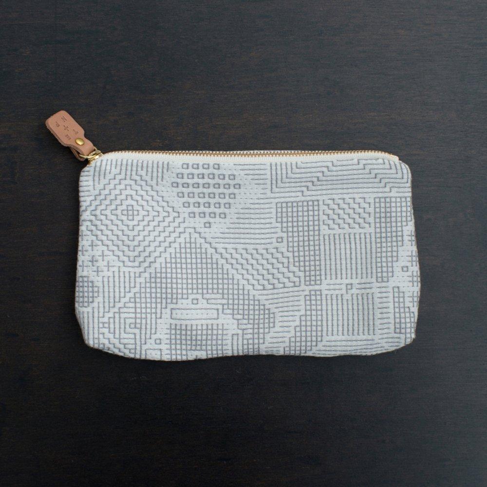 tenp02 福島の刺子織 ポーチ(オフホワイト)