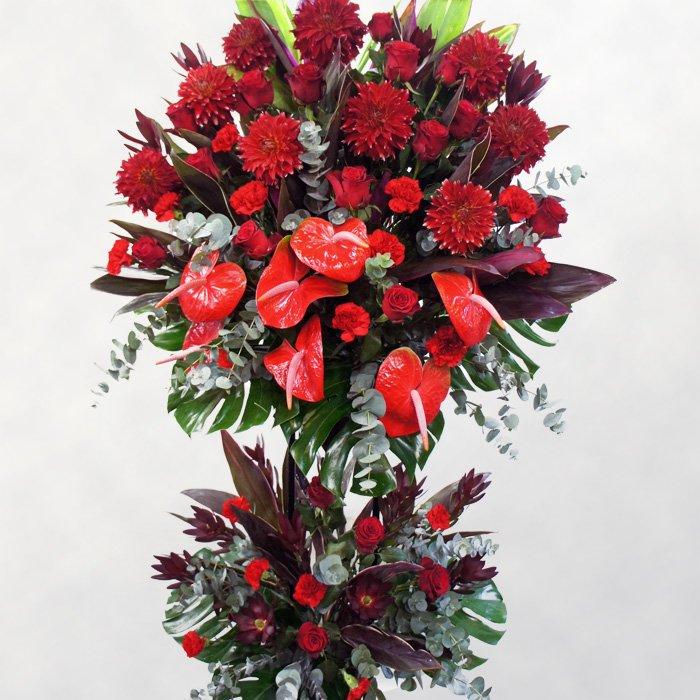 赤!赤!赤にこだわった情熱的なスタンド花(二段)rp-013 - スタンド花なら勝ち花.com
