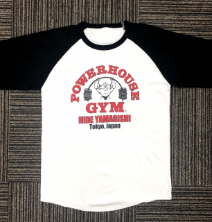 <img class='new_mark_img1' src='//img.shop-pro.jp/img/new/icons1.gif' style='border:none;display:inline;margin:0px;padding:0px;width:auto;' />POWERHOUSE GYM ラグランシャツ