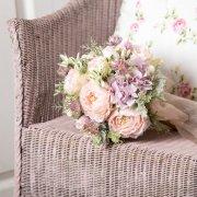 大人のピンクで上品に!バラとラナンキュラスのラウンドブーケ&ブートニア