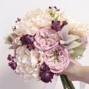 【アーティフィシャル】アンティークカラーの芍薬とバラのクラッチブーケ&ブートニア