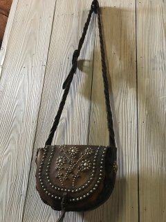 <img class='new_mark_img1' src='https://img.shop-pro.jp/img/new/icons50.gif' style='border:none;display:inline;margin:0px;padding:0px;width:auto;' />60's Vintage Leather Bag W/Custom Studded