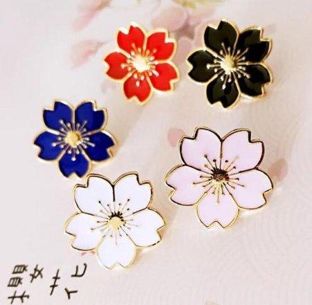 いろんなところにプラスワン かわいい 桜 モチーフ ピンバッジ 2個セット ジャケット から バッグ などに