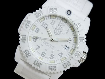 ルミノックス LUMINOX ネイビーシールズ 腕時計 7057 ホワイトアウト