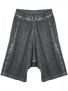 <strong>by H. New York</strong>EZ PANELLED DROP CLOTCH SHORTS<br >WATER DYED BLACK