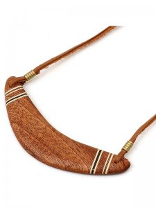 <strong>GARA</strong>WOODEN BOOMERANG CHOKER<br>BROWN