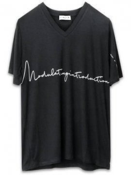 <strong>NIL DUE / NIL UN TOKYO</strong>OVERSIZED V TEE<br>BLACK