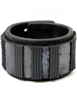 <strong>BLACK TRIANGLE DESIGN</strong>PANEL COLOR LEATHER BRACELET<br>GREY MIX x BLACK