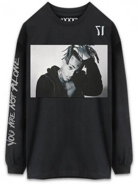 <strong>XXXTENTACION 17 MERCHANDISE</strong>17 LONG SLEEVE T-SHIRT<br>BLACK