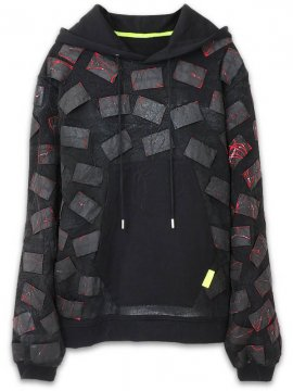 <strong>Mad Frenzy</strong>PATCH CRUST TYPE SWEAT HOODIE with PAINT<br>BLACK / RED
