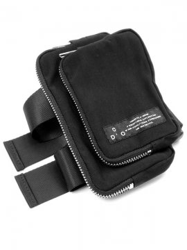 <strong>CONCEPTS D' ODEUR</strong>SLEEVE BAG<br>BLACK