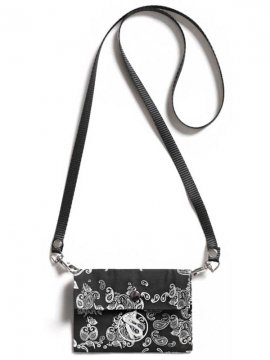 <strong>SALUTE</strong>BANDANNA BAG<br>BLACK