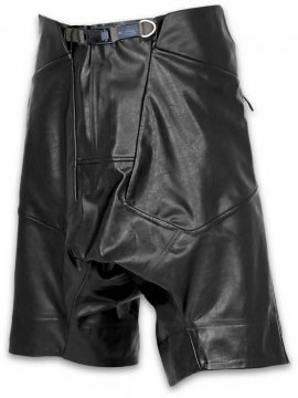 <strong>HAMCUS</strong>SYNTHETIC LEATHER SHORTS ALL TAPPED<br>BLACK