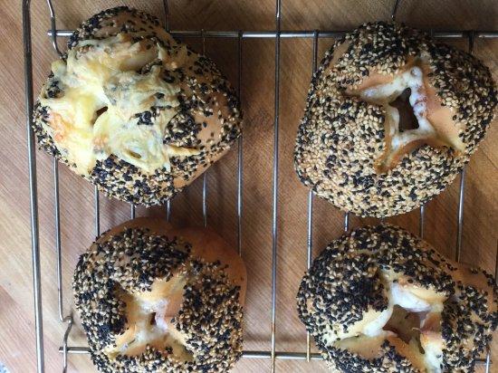 パンと紅茶 ワンデークラス7/27 とろけるチーズとベーコンのパン