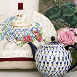 Aida Albertine Tea cosy