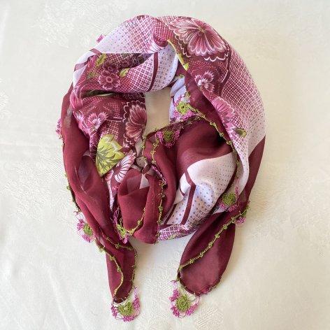 手編み花レースが可愛い、ふんわり軽やかオヤスカーフ(ボルドー)