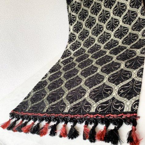テーブルセンター<br>Peacock Black(約45�×約100�)