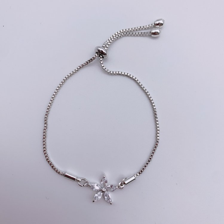 チェーンブレスレット<br>Flower Crystal Silver