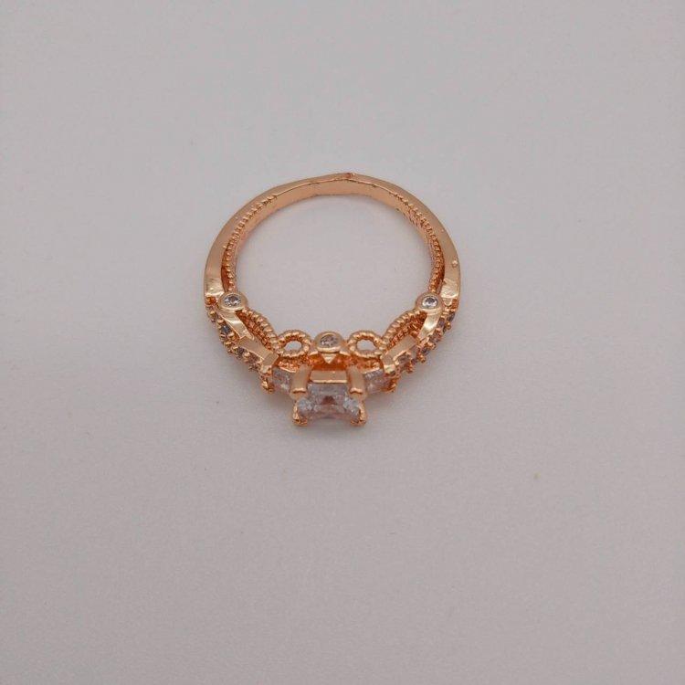 リング<br>Crystal Stone Gold