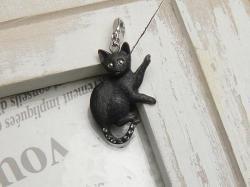 横向き黒猫ペンダントトップ<br>(シルバー)