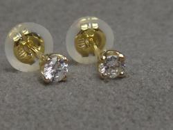 K18ダイヤモンドピアス(ダイヤSIクラス/0.07cts×2ピース)