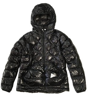 <img class='new_mark_img1' src='https://img.shop-pro.jp/img/new/icons1.gif' style='border:none;display:inline;margin:0px;padding:0px;width:auto;' />and wander - diamond stitch down jacket