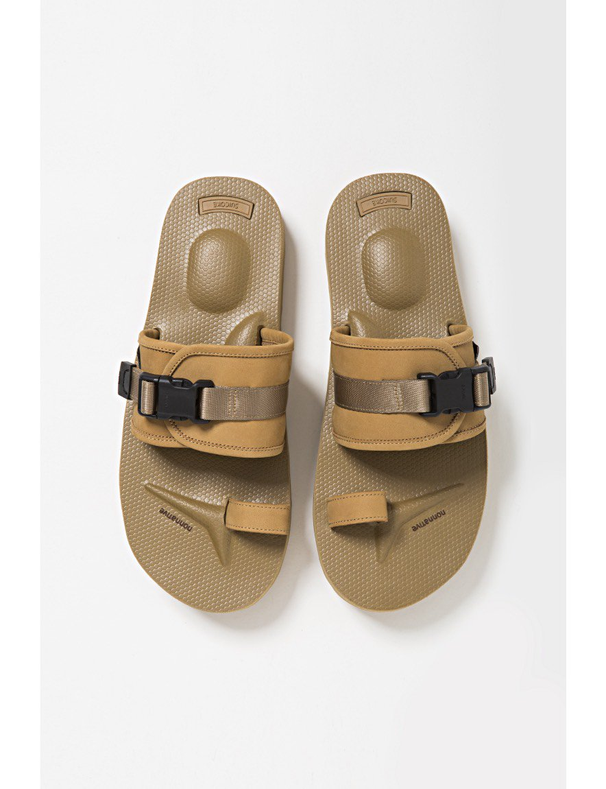 nonnative - HUNTER SANDAL by SUICOKE (BEIGE)