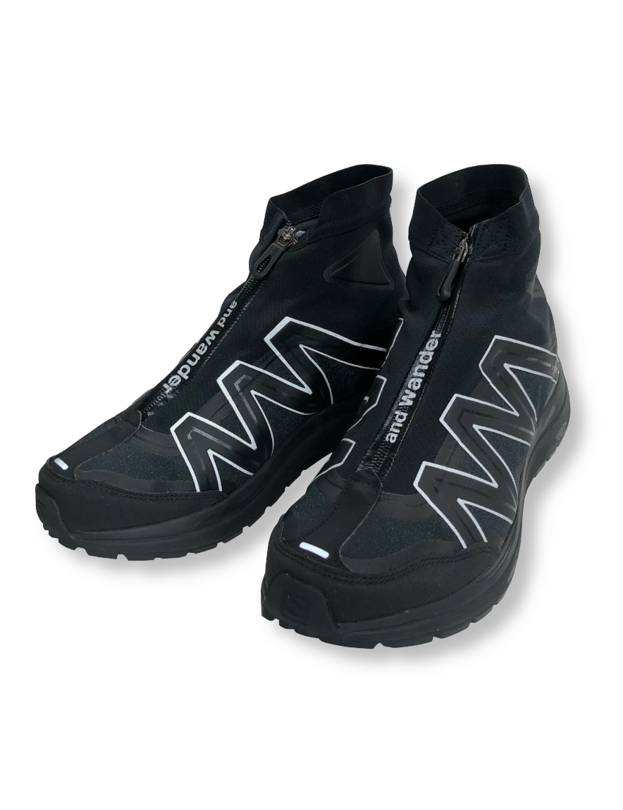 <img class='new_mark_img1' src='https://img.shop-pro.jp/img/new/icons1.gif' style='border:none;display:inline;margin:0px;padding:0px;width:auto;' />and wander - reflective highcut sneakers by salomon