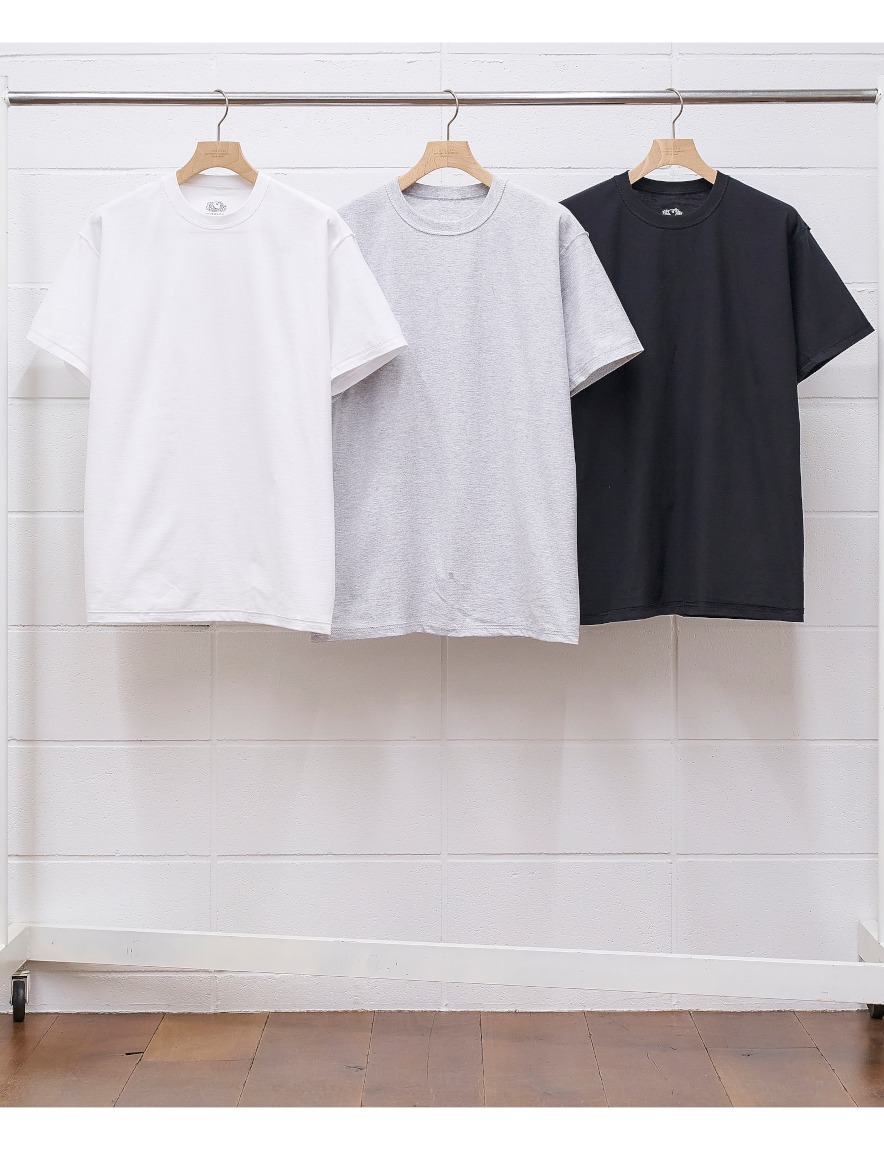 <img class='new_mark_img1' src='https://img.shop-pro.jp/img/new/icons1.gif' style='border:none;display:inline;margin:0px;padding:0px;width:auto;' />UNUSED - pack tee / Unused x Fruit of the loom
