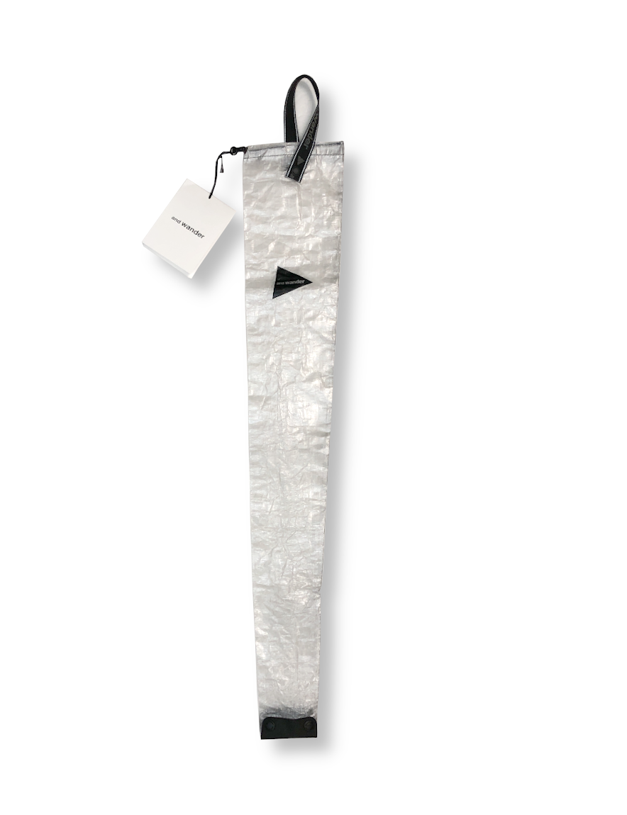 <img class='new_mark_img1' src='https://img.shop-pro.jp/img/new/icons1.gif' style='border:none;display:inline;margin:0px;padding:0px;width:auto;' />and wander - Dyneema long umbrella case (OFF WHITE)