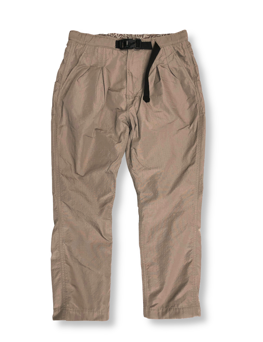 <img class='new_mark_img1' src='https://img.shop-pro.jp/img/new/icons50.gif' style='border:none;display:inline;margin:0px;padding:0px;width:auto;' />nonnative - ALPINIST EASY PANTS POLY RIPSTOP SHAPE MEMORY WITH FIDLOCK® BUCKLE (MOLE)